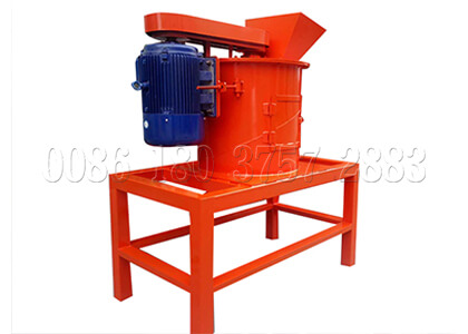 Crushing machine for composted fertilizer powder making